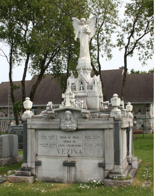 Mausolée d'Adélard Vézina sculpté par lui-même