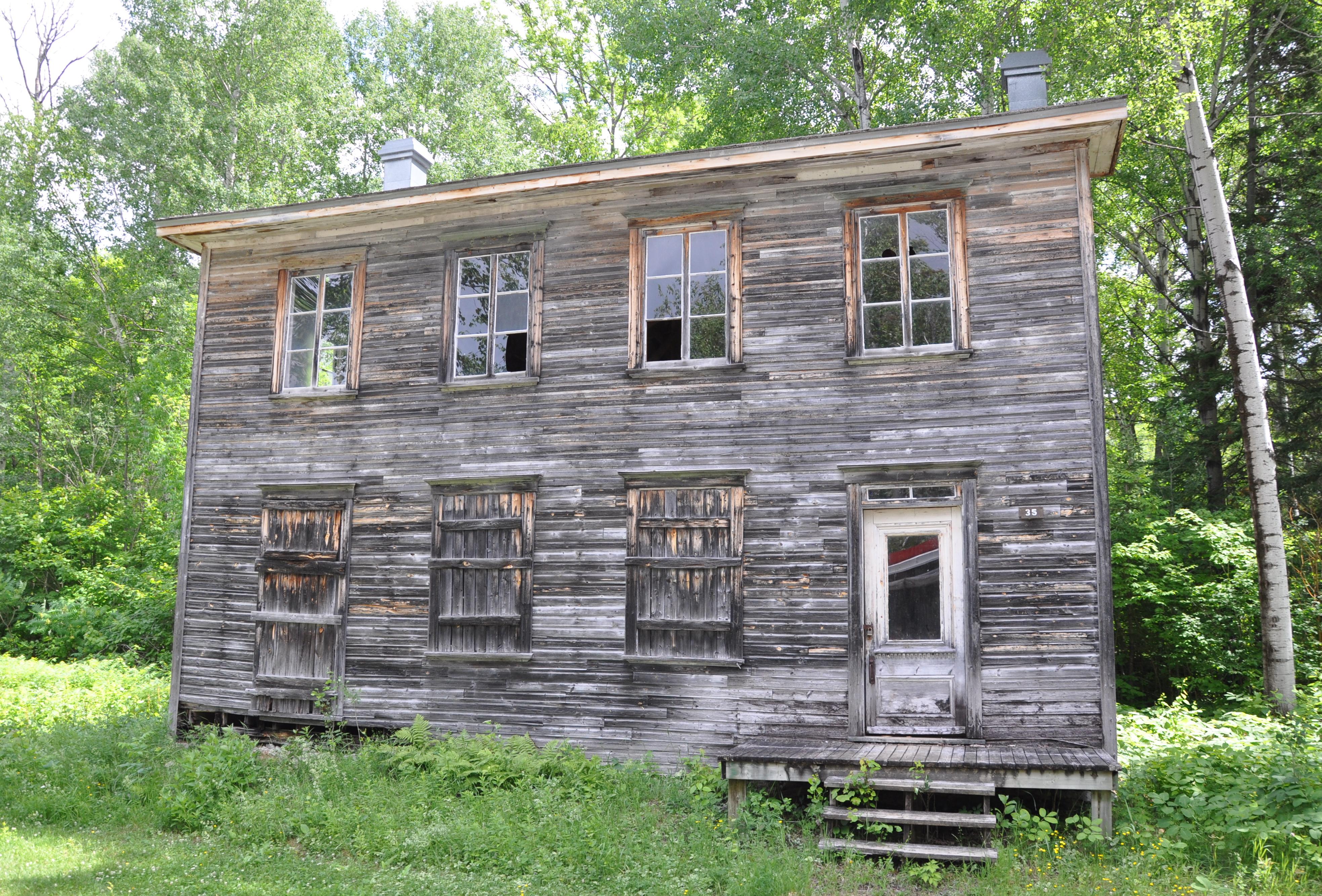 Des vestiges du passé de  Val-Jalbert