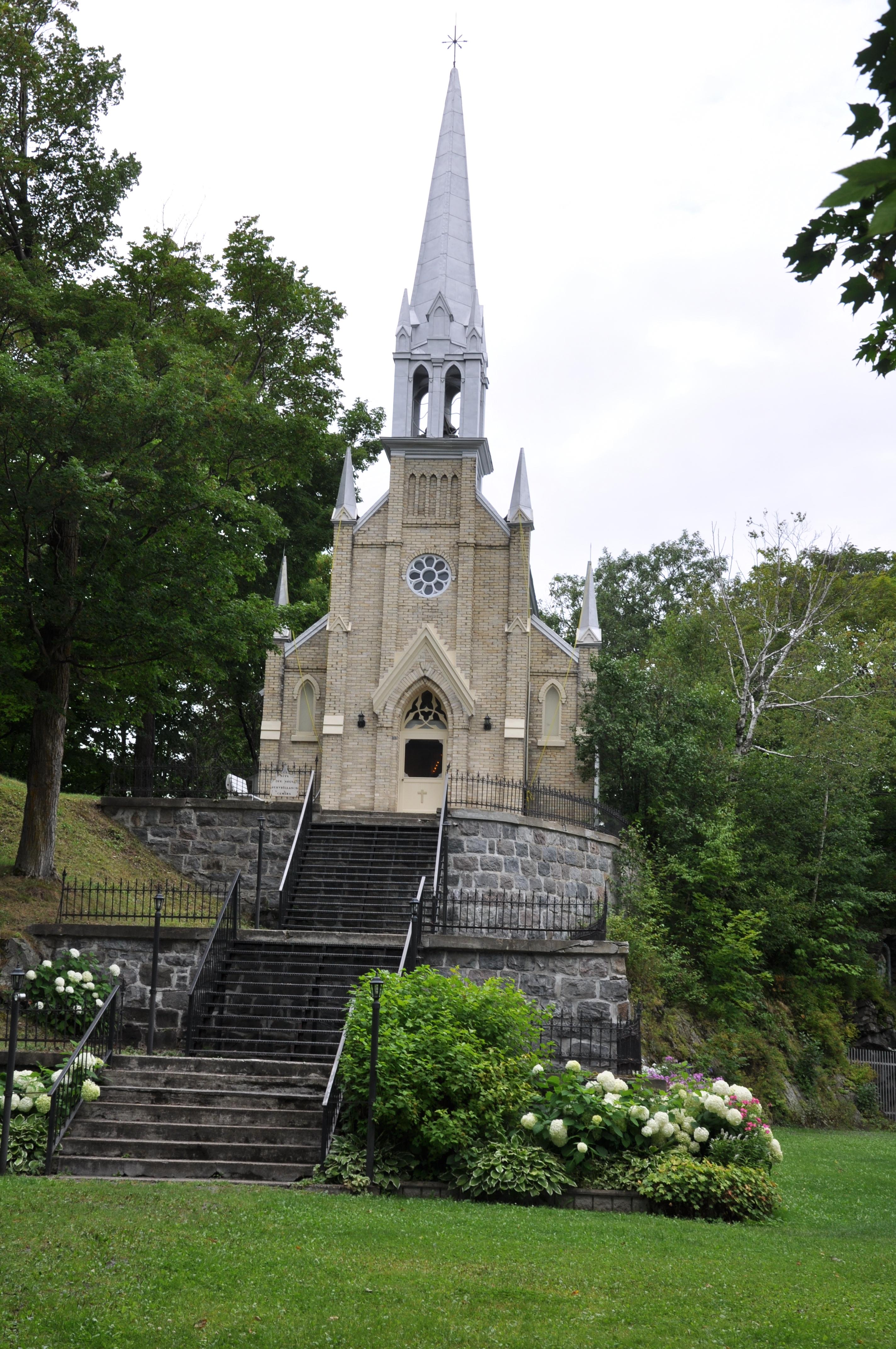 chapelle sanctuaire de Lourdes