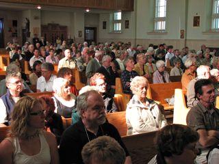beaucoup de monde à la messe !